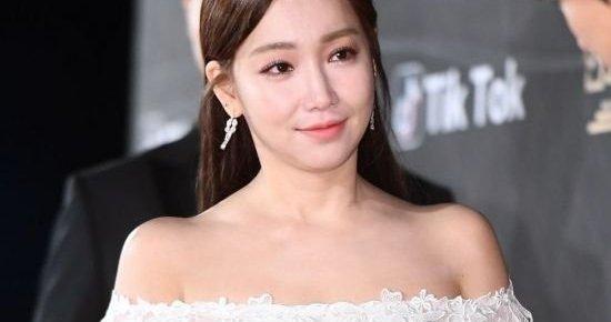 "Channel A's ""Lies of Lies"" Casts Lee Yuri as Lead"