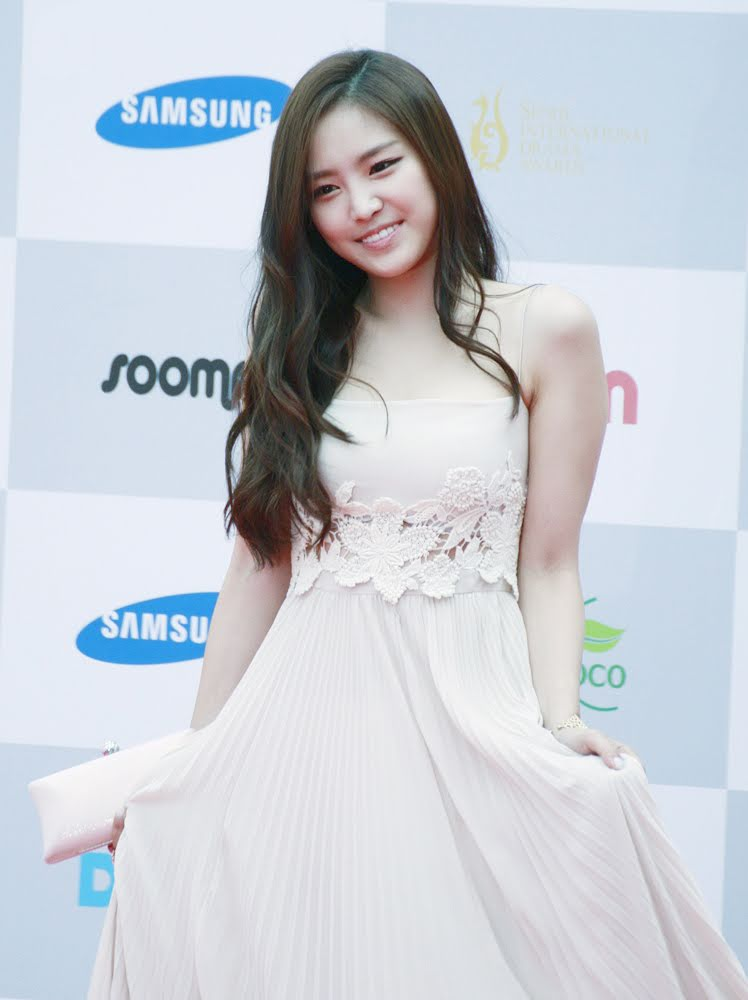 11 Times Apink's Naeun Positively Glowed In The Prettiest ...