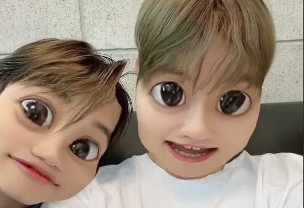 EXO Kai and Baekhyun Share Hilarious Instagram Updates