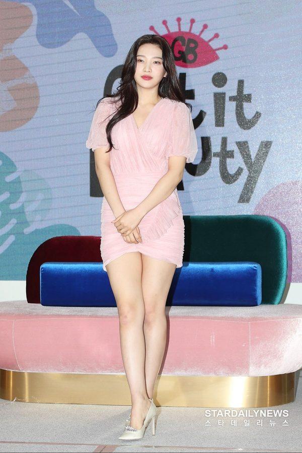 13 Unedited Photos Of Red Velvet's Joy