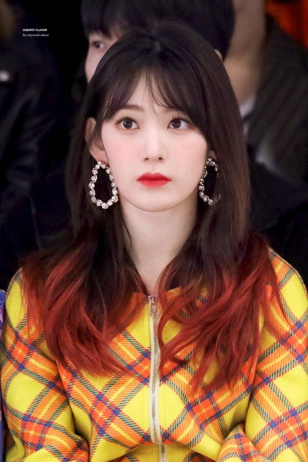 9 Hairstyles IZ*ONE's Sakura Pulls Off Flawlessly