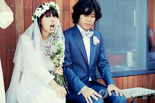 Here's The Heartwarming Story Of How Lee Hyori And Lee Sang Soon Got Married