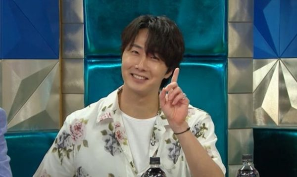 Jung Il woo and Na Mun-hee in Radio Star Episode 682.