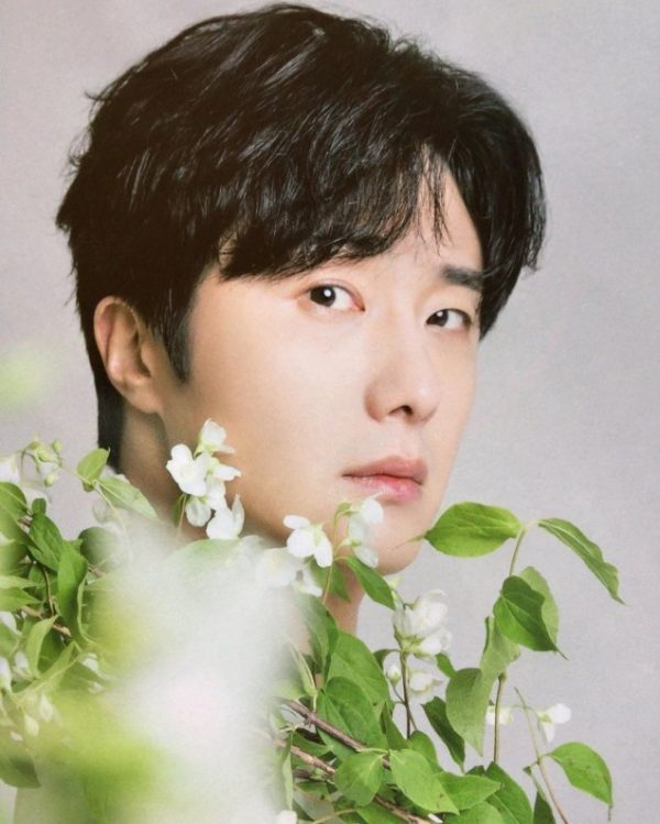 Jung Il Woo in Korean Style Pia Magazine. September Issue.