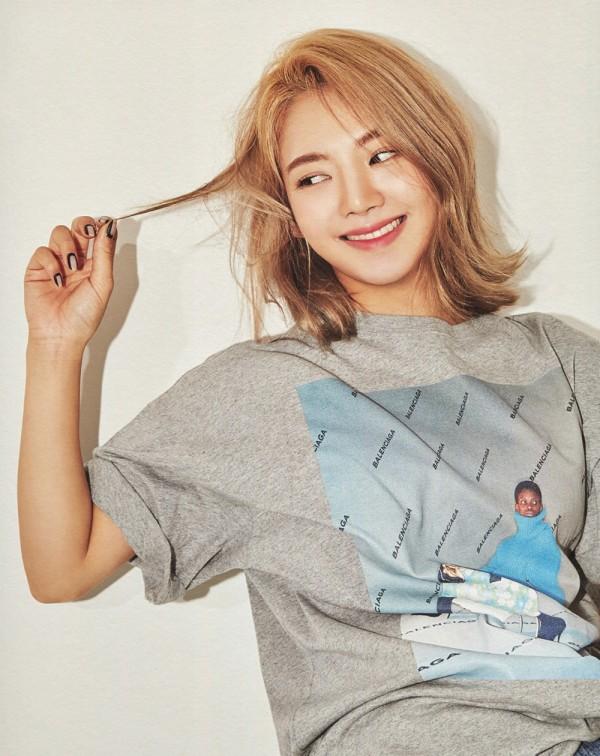 Hyoyeon Partakes at SMile Music Festival to Teach Underprivileged Children