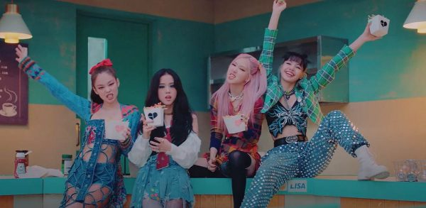 """Korean Netizens Impressed With How Many Copies BLACKPINK Has Sold Of """"THE ALBUM"""" In One Day"""
