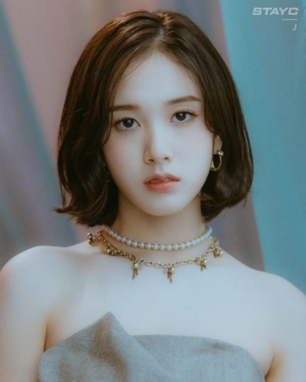 Jang Ye Eun (J)