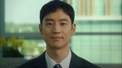 "Lee Je Hoon Takes Lead Role in ""Deluxe Taxi"""