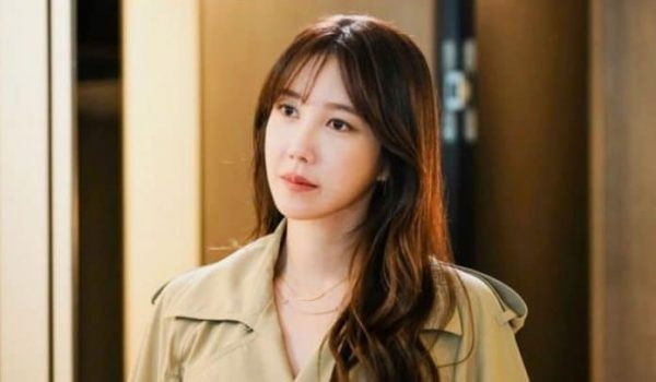 """Is Lee Ji Ah Appearing On The """"Penthouse"""" Season 2? Recent Report Sparks Hope And More Theories"""