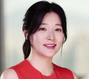 """Lee Young Ae Considering Lead Role in """"Incredible Koo Kyung Yi"""""""
