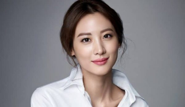 Actress Claudia Kim Signs An Exclusive Contract With YG Entertainment