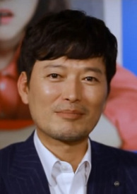 """Jung Jae Young Accepts Lead Role in """"No One But a Madman"""""""