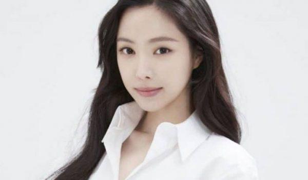 Apink's Son Naeun Joins YG Entertainment