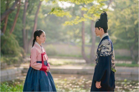 A love for the ages begins in new stills for sageuk drama The Red Sleeve Cuff